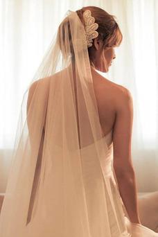 Robe de mariée Dos nu Avec voile Ouverture Frontale De plein air Asymétrique