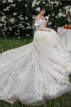 Robe de mariée Hiver Épaule Dégagée Appliques Taille Naturel Fourreau Avec Bijoux