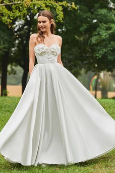 Robe de mariée Fleurs De plein air A-ligne Orné de Rosette Taille Naturel