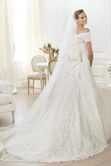 Robe de mariée Traîne Mi-longue Taille Naturel Avec voile Épaule Dégagée