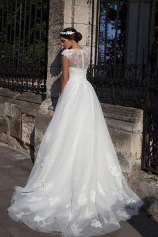 Robe de mariée Hiver Traîne Mi-longue A-ligne Appliques Col Bateau