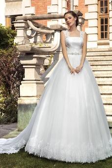 Robe de mariée Haute Couvert Traîne Mi-longue A-ligne Appliques Automne