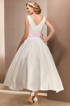 Robe de mariée Satin Informel De plein air Milieu Taille chute Été