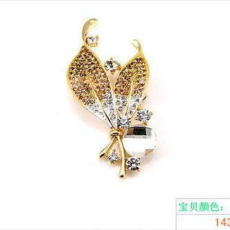 Vente en gros femmes incrusté diamant nouveau style Crystal broche Broche - Page 3